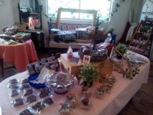 パルミラの商品が並べられたお菓子摘みイベント開催中のranbu店内の様子